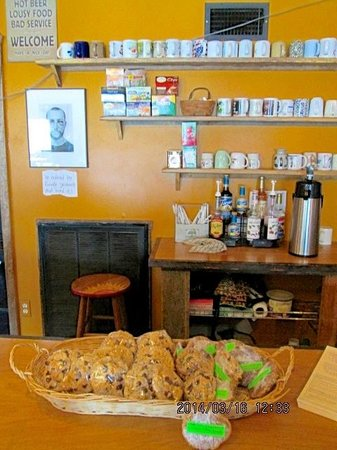 Bean Trees Cafe: Coffee & specialty hot beverages are made to order.