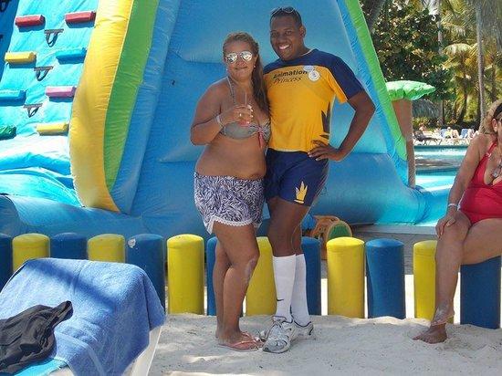 Tropical Princess Beach Resort & Spa: El grupo de animacion es muy bueno!, pasamos las tardes de playa bailando!
