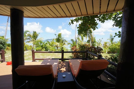 Mana Island Resort : Deck