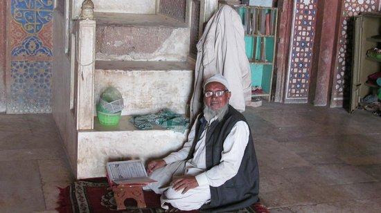 Fatehpur Sikri: An Elderly gentleman at worship