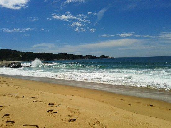 Pousada Estaleiro Village : Praia Limpa
