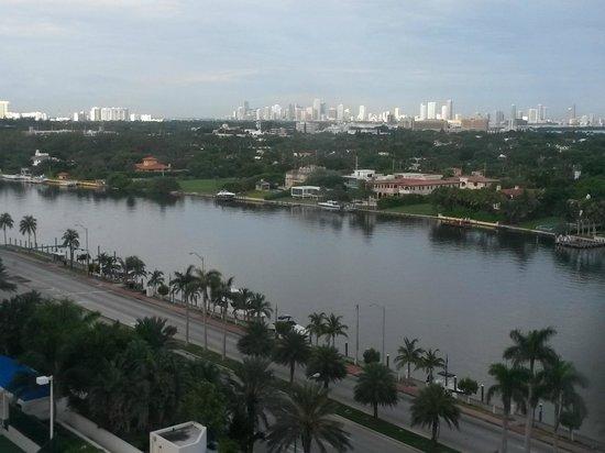 Miami Beach Resort and Spa: vista da baia