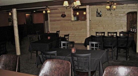 Bilmar Motel & Smuggler's Bar and Grill: bar and grill