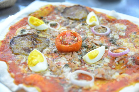 Restaurant Trattoria - La Terrasse: Do you feel like eating a pizza today ?...