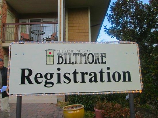 The Residences at Biltmore : A little confusing to check in since there are 2 offices