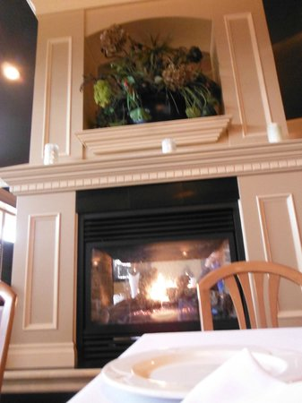 Tumbleweeds Grill: Fireplace