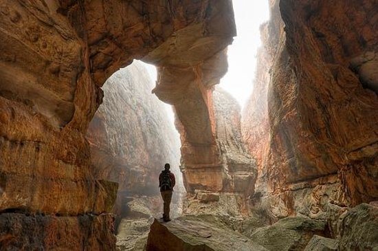Cape Town Central, Afrika Selatan: Our signature Cederberg Photo of the arch inside the magical Wolberg Crack, taken by Jono Hey