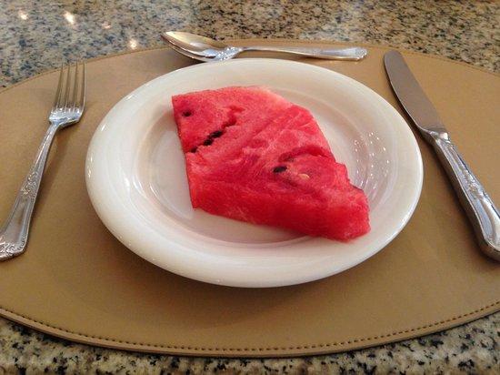 Bourbon Curitiba Convention Hotel : Café da manhã: melancias gostosas