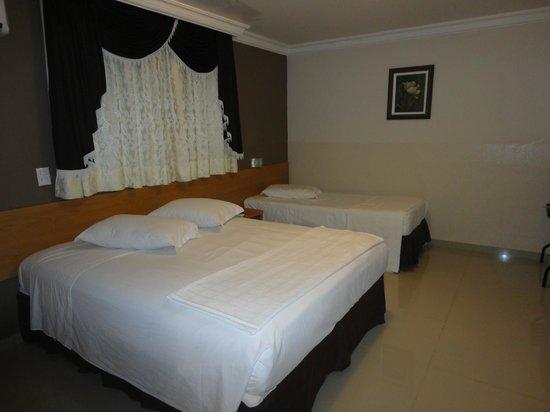 Del Rey Hotel: suite confortável