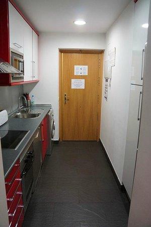 Prado Apartamentos: Kitchen