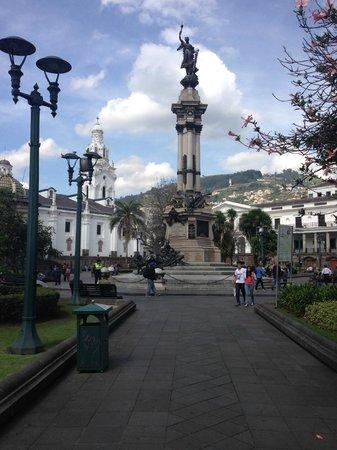 Plaza de la Independencia (Plaza Grande) : Vista a la plaza grande