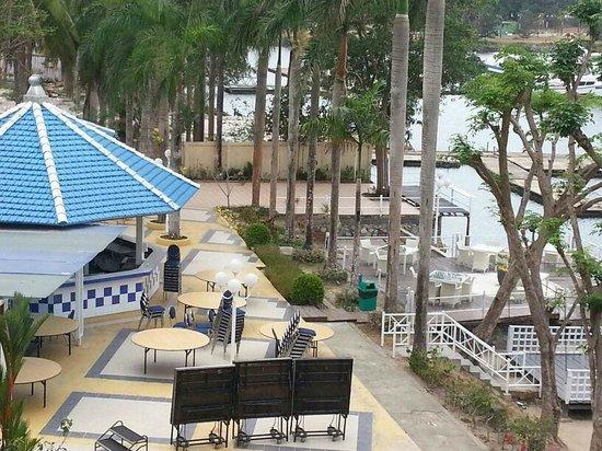 HARRIS Resort Batam Waterfront: Bedroom View
