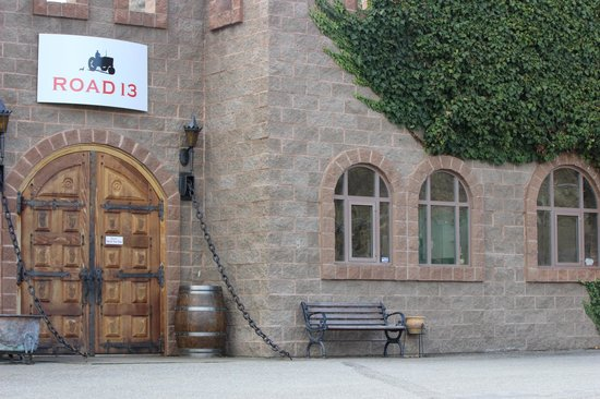 Road 13 Vineyards : Awesome Building