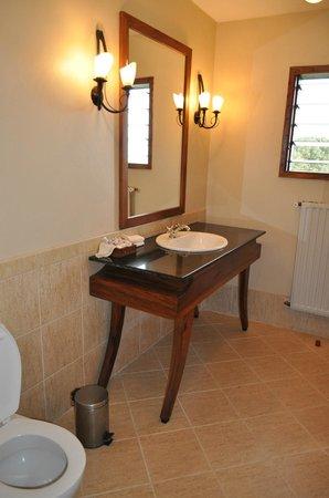 Ngorongoro Sopa Lodge: Ванная комната