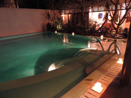 Villa Casis: swimming