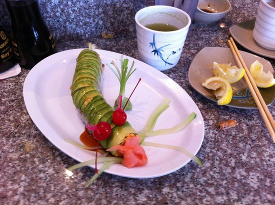 Shinto Japanese Restaurant : Caterpillar Roll