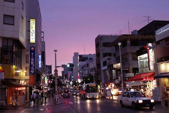 Hotel Kokusai Plaza: 国際通りに面したホテル