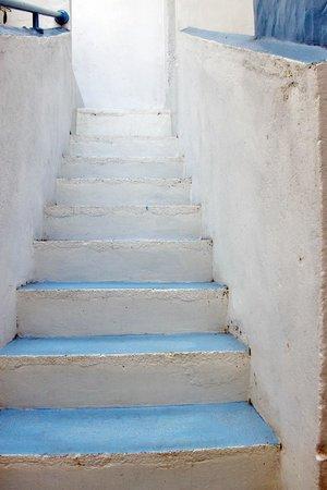 Pedlar's Inn Hostel: Greek Style Staircase