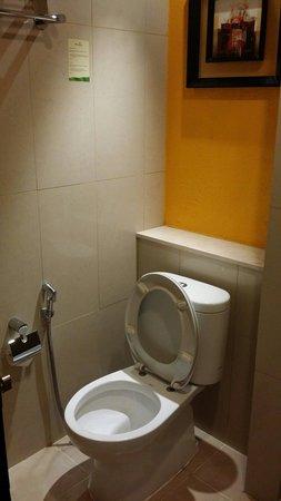 Banana Inn Hotel & Spa: Clean bathroom