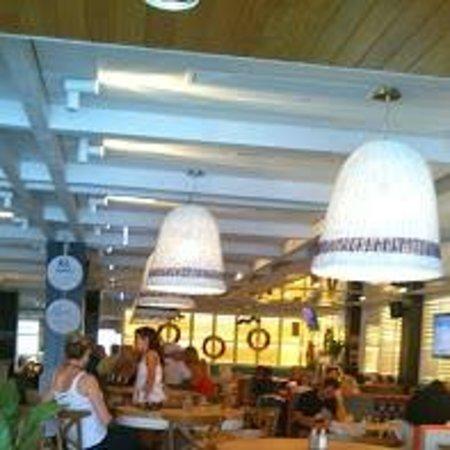 Ivanhoe hotel: 2nd floor dining area