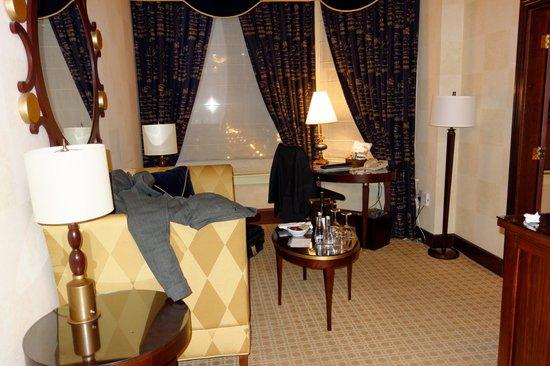 Kimpton Burnham Hotel: Dining area