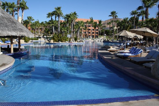 Paradisus Los Cabos: pool with swim up bar