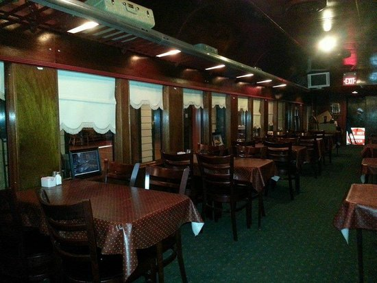 Central Station Bar & Grill: Rail Car inside Central Station Club and Grill
