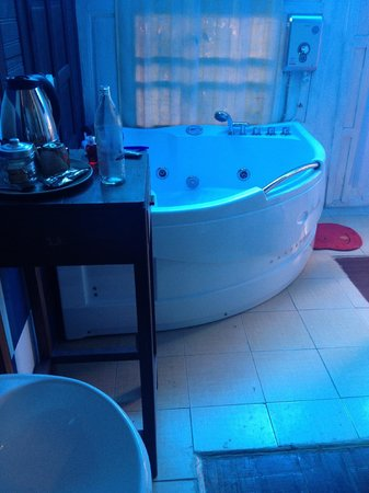 The Sixty at Ayutthaya Guesthouse : Bathroom