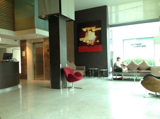 Sacha's Hotel Uno: lobby