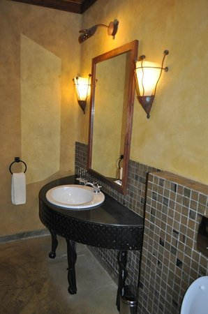 Serengeti Sopa Lodge: Ванная комната.