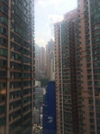 Ibis Hong Kong Central & Sheung Wan Hotel : View from the window (mountain area as background)