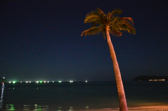 Sunset Beach Resort : at night