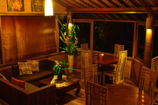 Bali Mountain Retreat: Place for a romantic dinner