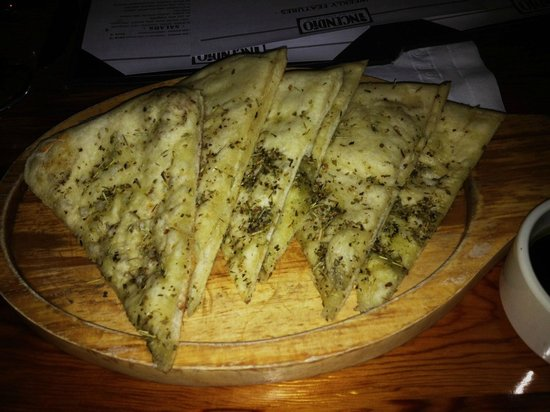 Incendio Pizzeria : Compliemntary Flat Bread