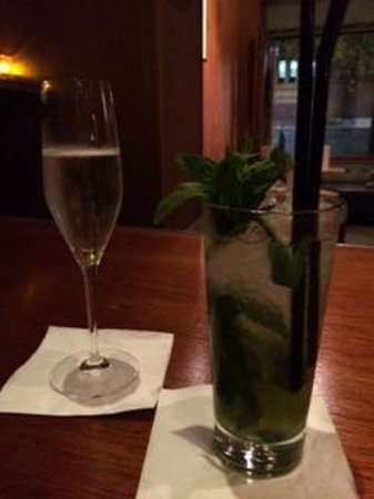 Hinky Dinks: One of the great Mojitos!