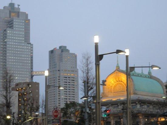 Keio Presso Inn Higashi-Ginza : ホテル前より 築地本願寺ライトアップ