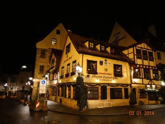 Zum Gulden Stern: Ресторан ночью