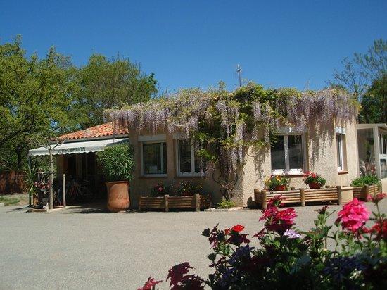 la réception du camping la Source, les Salles sur Verdon