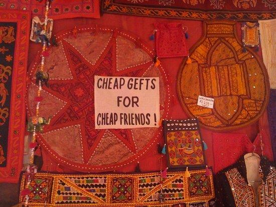 Jai Shankar Handicrafts: Gifting suggestions