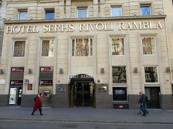 Hotel SERHS Rivoli Rambla: Вход в отель