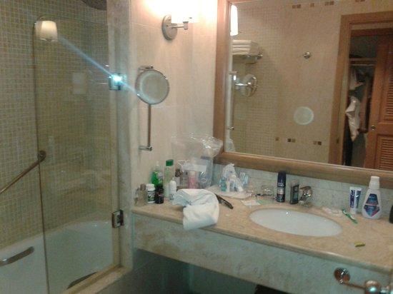 Barcelo Maya Colonial : salle de bain