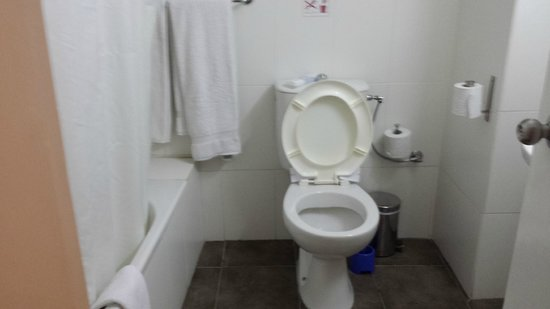 Centrum Hotel: Toilet