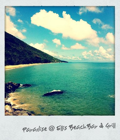 Ellis Beach Bar & Grill: Location!