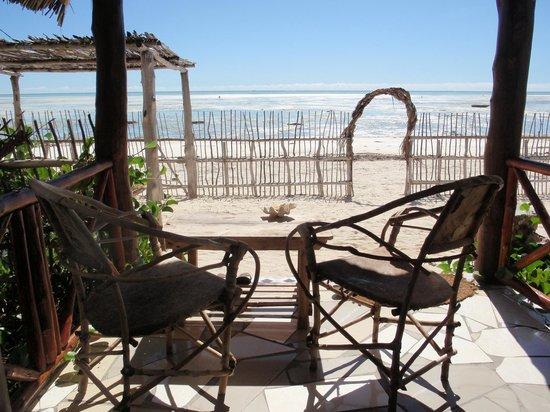 Uhuru Beach: Vue de la terrasse