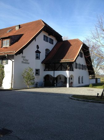 Hotel Gasthof Moosleitner: Hotel entrance