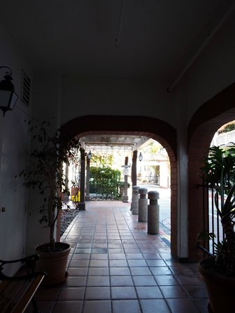 BEST WESTERN PLUS Hacienda Hotel Old Town : From the Elevator