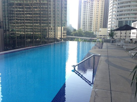 Impiana KLCC Hotel: swimming pool