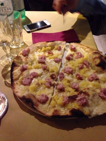 Ostia Che Pizza: Pizza scamorza ciauscolo e patate