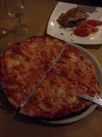 Ostia Che Pizza: Pizza Margherita forno a legna