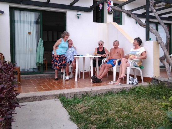 Capri Bungalows: friends and family